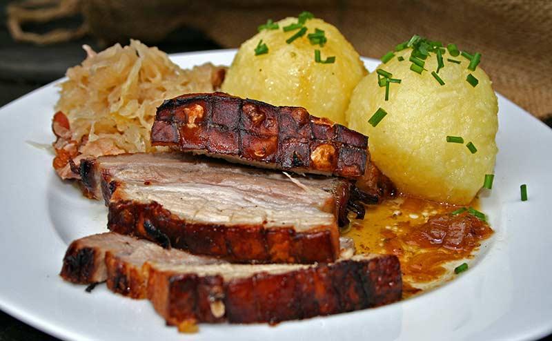 Alpenstern Küche Schweinekrustenbraten
